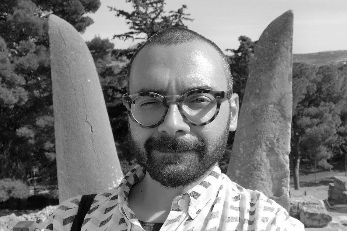 Davide G. Aquini davanti alle corna di consacrazione Cnosso