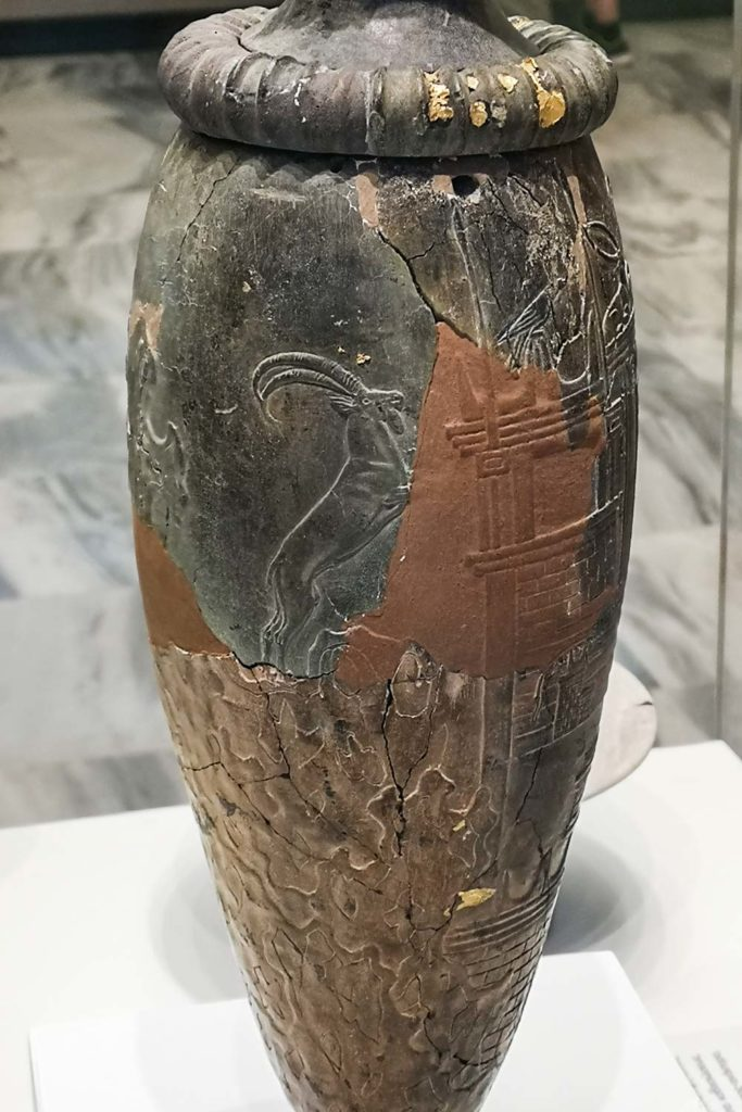 Rhyton da Zakros con Santuario delle Vette