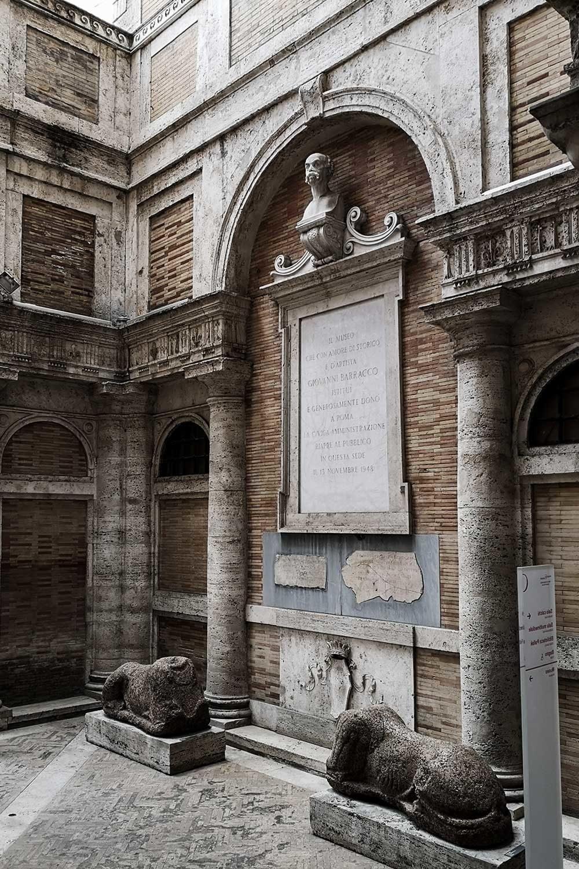 Corte Museo Barracco