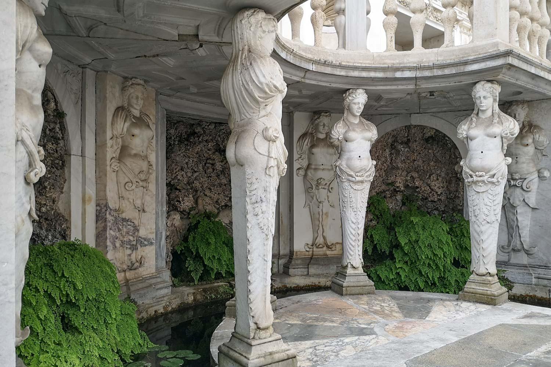 Cariatidi del ninfeo di Villa Giulia